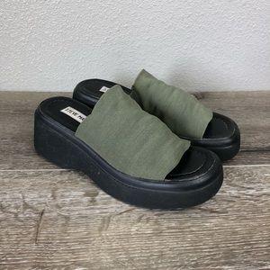 Steve Madden vintage platform stretch top sandals